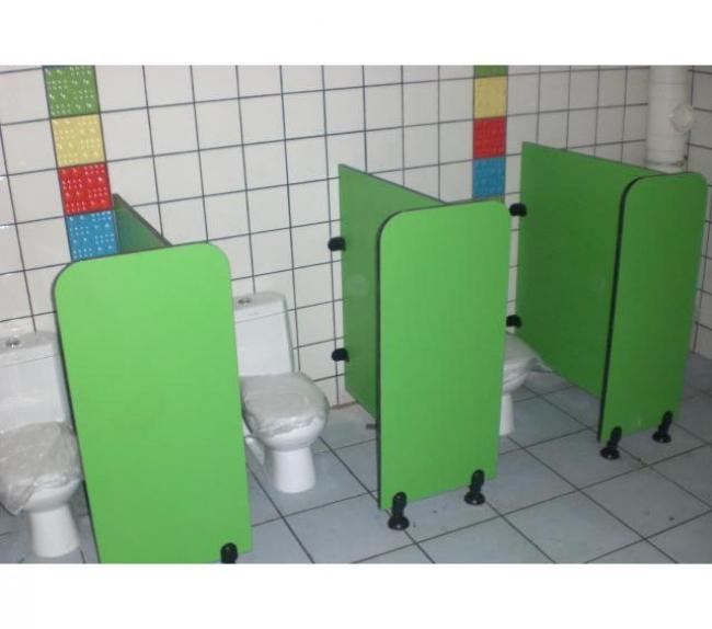 卫生间隔板15